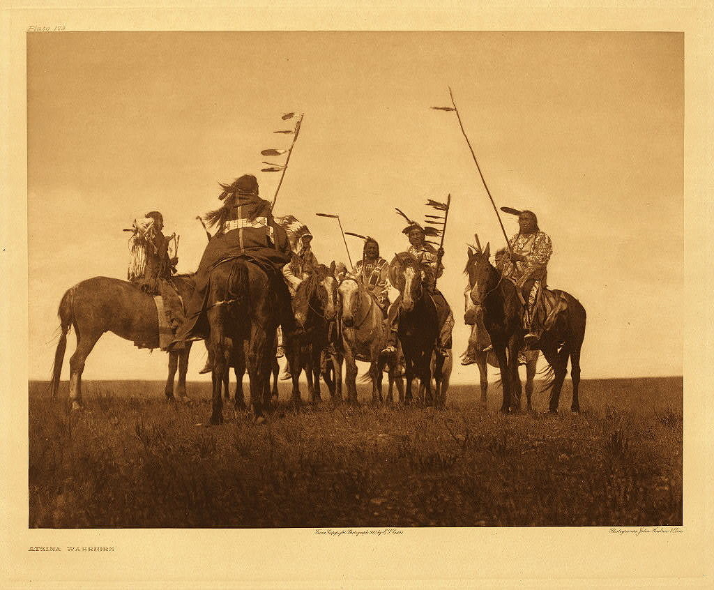 Bojovníci kmene Atsina. Foto E.Curti.