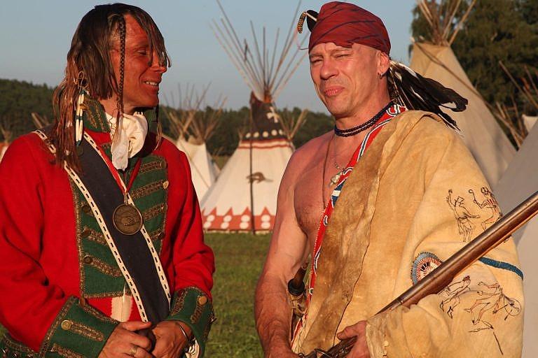 Vysoce kvalitní indiánský reenacting. Německo.