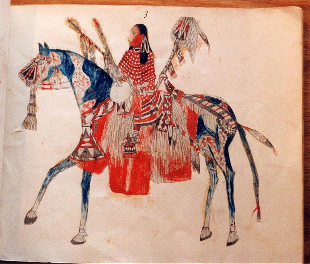 Indiánka kmene Vran na plně vyzdobeném koni. Koně se stali pro indiány Velkých plání zdrojem bohatství a přepychu. Piktogram ze 70. let 19.století.