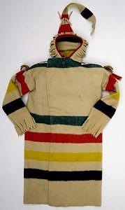 Indiánské kapote hranatého střihu vyrobené z Hudsons Bay deky duhovky. BBHC