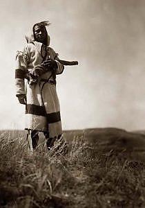 Indiánské kapote v praxi. Černonožec. Foto E.Curtis