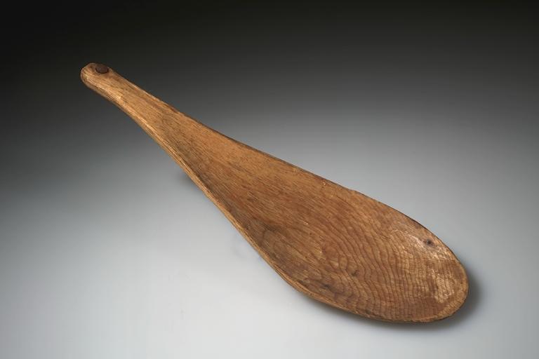 Lžíce ze dřeva. Kríové. AMNH.