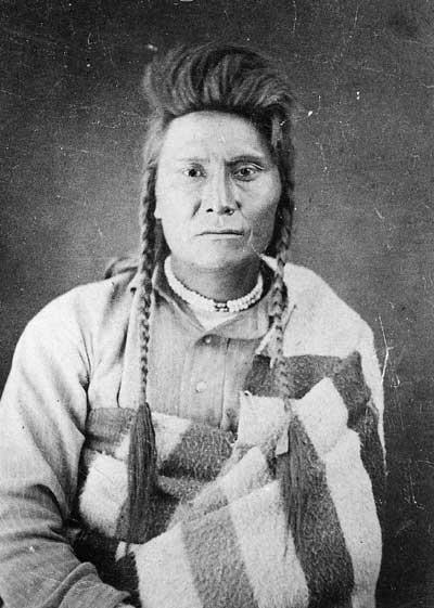 Náčelník Joseph asi 3 týdny po své kapitulaci a zatčení v roce 1877.