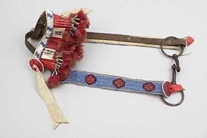 Stíhlové udidlo s uzdou lakotských indiánů.
