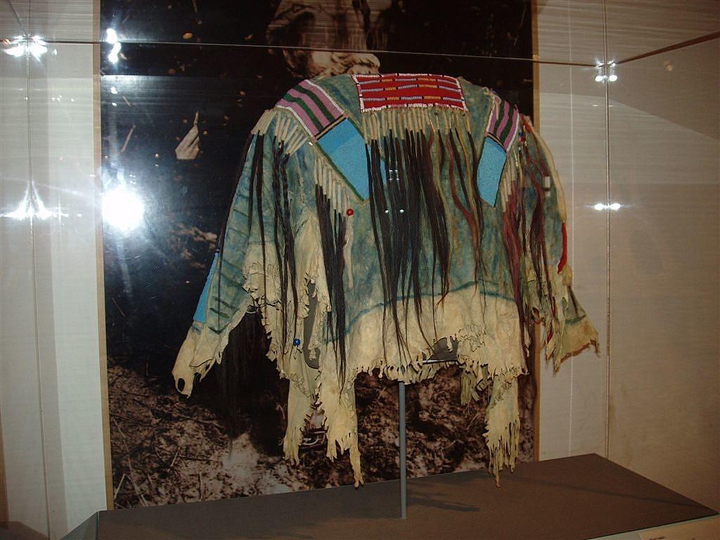 Náhderná válečná košile kmene Vran