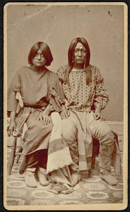 Neidentifikovaný indiánský pár.