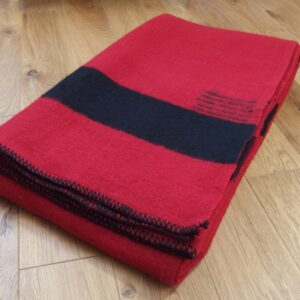 Hudsons Bay deka. Červená.