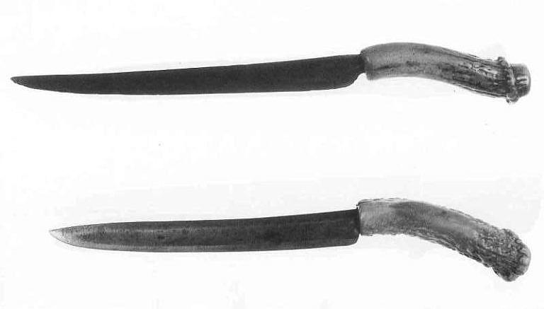 Riflemanské nože.