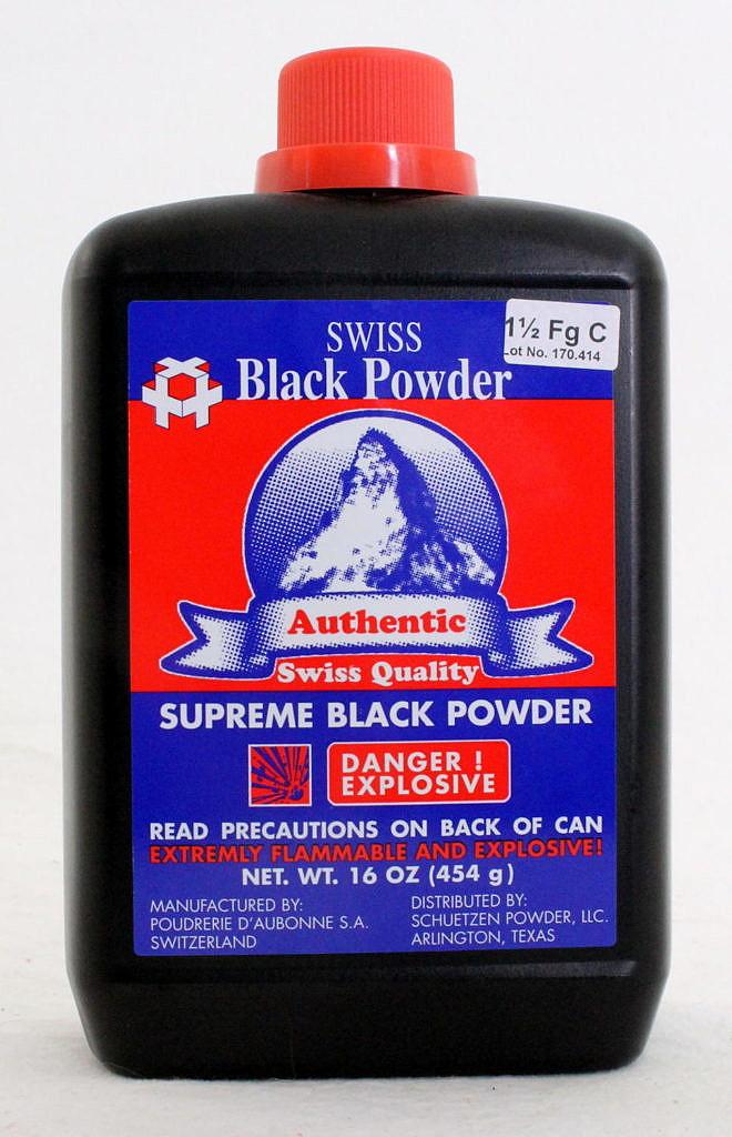 Kvalitní černý prach Swiss vyráběný ve Švýcarsku.
