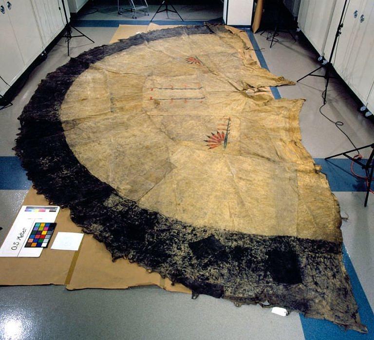 Týpí z bizoních kůží, AMNH.