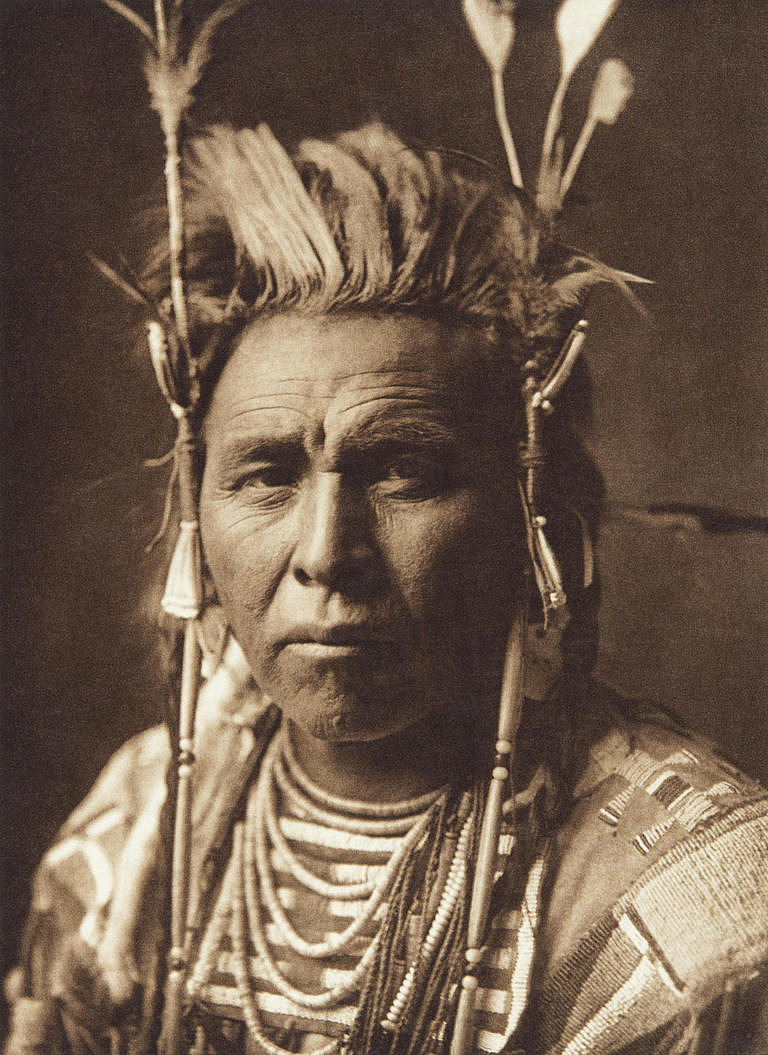 Skvrnitý zajíc z kmene Vran na dobové fotografii E.Curtise.