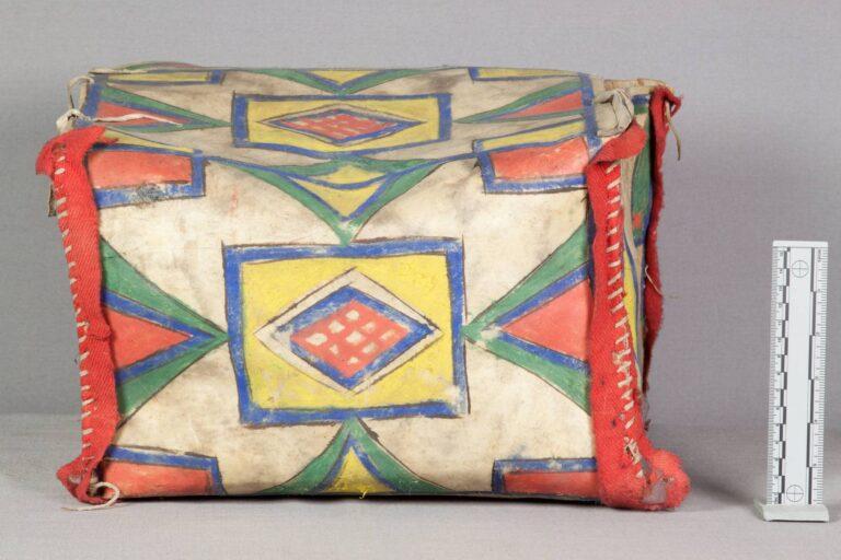 Krabice kmene Lakota. NMNH.